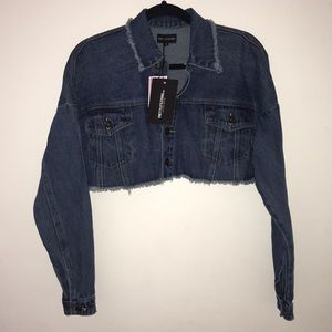 PrettyLittleThing Mid Wash Cropped Denim Jacket